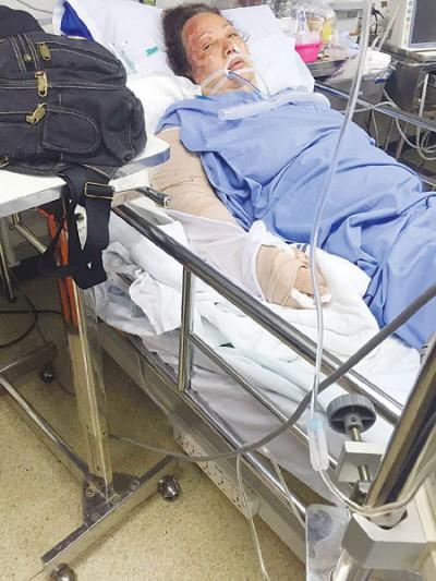 王瑞明周四早9时许由救护飞机载回新加坡中央医院治疗。