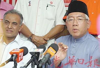 教育部长马哈基尔(右)表示,禁止参与国庆指示维持直至另行通知。