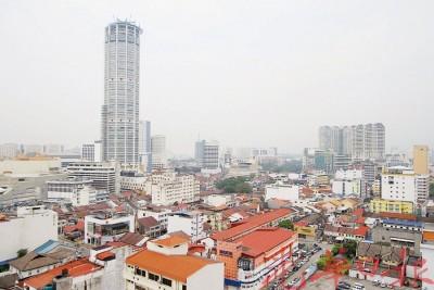 槟城烟霾情况好转,能见度也大幅提升,让广大塔楼也不再淹没在烟霾里。