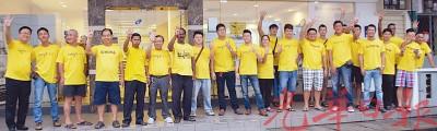 黄衣军团在居林巴刹前造势,呼唤国民与BERSIH4.0大型示威活动。