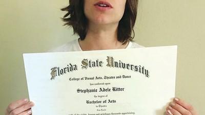 里特在ebay出售大学文凭。