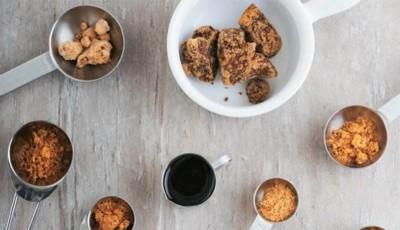"""黑糖食品广受台湾人欢迎,部分却验出含有可能致癌物""""丙烯醯胺""""。"""
