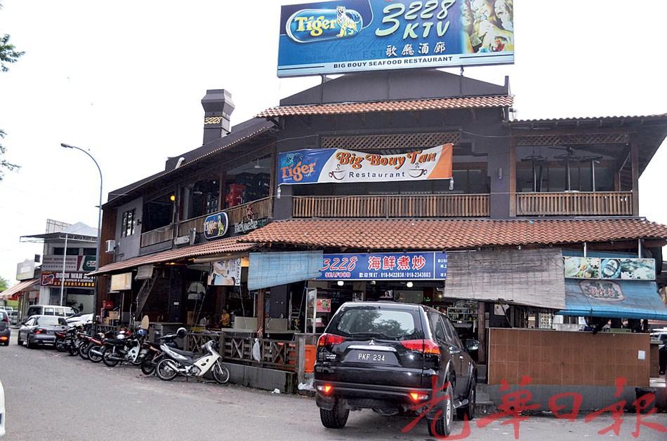 峇东埔3228饮食中心生意惨淡。
