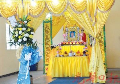 死者罗克赐灵柩停放在笼呀路吉打福建公会殡仪馆,周五出殡。
