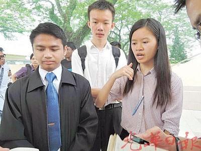 吴湘怡原是学联候选人之一, 无奈其传播系院长不肯在提名表格签名, 错失竞选机会。