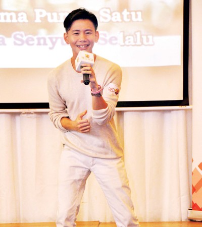 李桀汉再唱当年参赛的获奖歌曲《Mimpi》勾起了粉丝们的回忆。