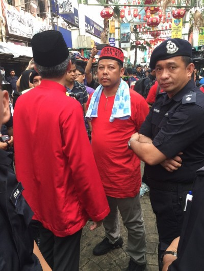 吉隆坡金马景区主任再诺告知红衫军代表,別挑战警方极限。