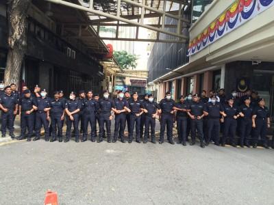 刘蝶广场周围遭已被警力层层封锁。