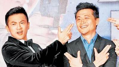 苏有朋曾主演连奕琦(右)执导的《甜蜜杀机》,建立好交情。