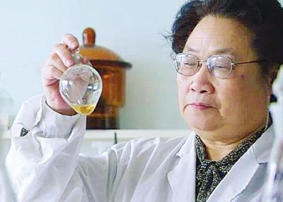 屠呦呦是每年第12各项夺得医学奖的女。(法新社照片)