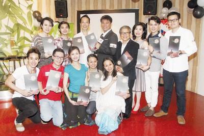除了《玄奘西游-音乐剧》原创原声带3主创杨伟汉、廖朝铨及郑泽相,参与音乐剧演出的一众演员也出席了原声带的推介礼。