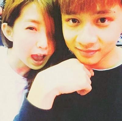 郭书瑶与金阳常秀甜蜜。