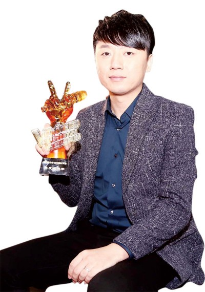 《中国好声音》第四季决赛夜,最终张磊夺冠。