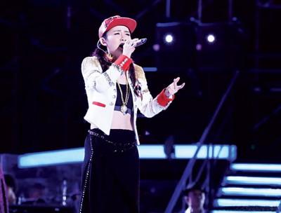 陈梓童带来了改编的《刀马旦》,发挥其擅长的R&B曲风。
