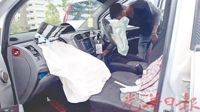 8岁女童疑被弹出的气囊窒死。