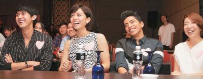记者会上特别播放one FM拍摄的电影趣味MV Kuso版本,让演员们看到笑翻。