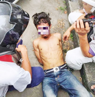 抓夺匪被三大民族热心人士同抓。