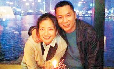 赵薇与富商老公黄有龙身价不凡,去年入股阿里影业。