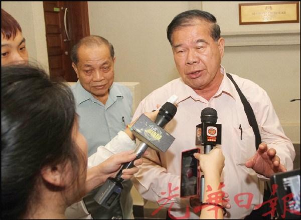 叶新田指,王超群的宣誓书充斥对他不公的指控。
