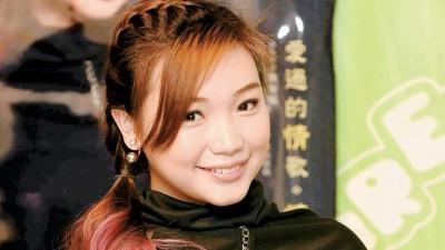 """对""""声音""""很有兴趣的罗翎允透露,明年将到中国修读播音主持。"""