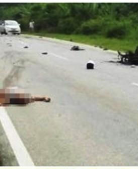 摩托车爆炸现场。(互联网图片)