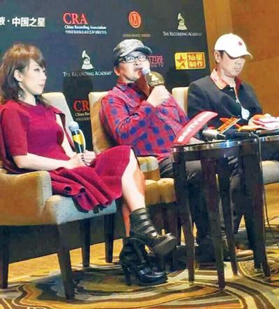 林忆莲(左起)、刘欢、崔健于上海参加《中华的星》记者会。