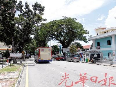玻璃池滑印尼领事馆附近的单独洋房,异常有机遇成为中国驻槟城领事馆的馆址。