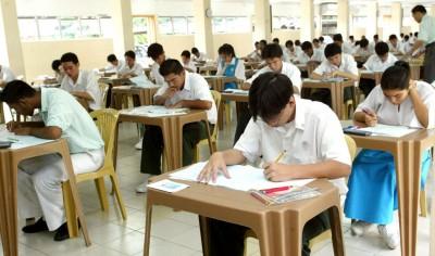 教师及学生都还没准备好接受大马教育文凭(SPM)英文科必须及格的政策。