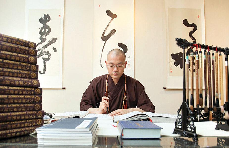 果峻34岁当上菩提阁住持,是当时新加坡最年轻的住持。(档案照)