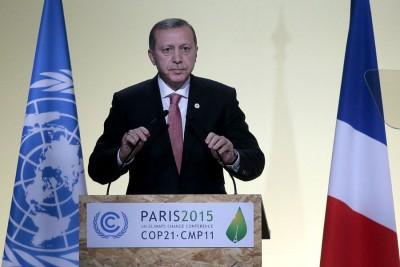 同样出席联合国气候变化大会的埃尔多安否认土耳其向ISIL购入石油。 (法新社照片)