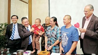 田伟成能接受治疗,是他父母亲最大的感激。