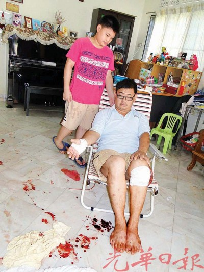 2名贼徒清晨入屋偷窃刀伤陈志平,左为陈俊庆。