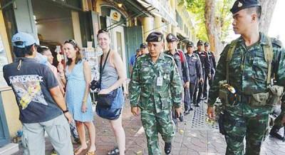 过停留在泰国的外籍人士将给禁入境最高10年。