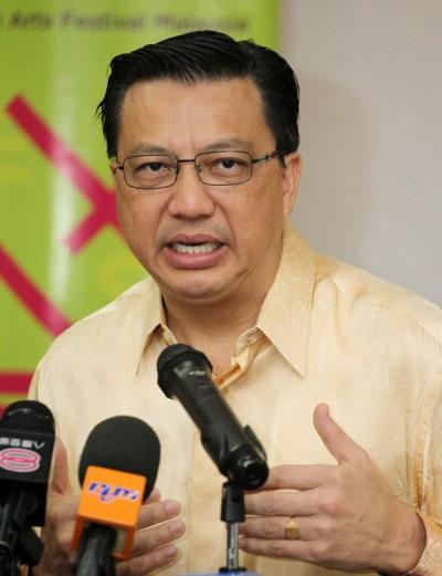 廖中莱对于纳吉呼吁党员归队的做法表示赞赏。