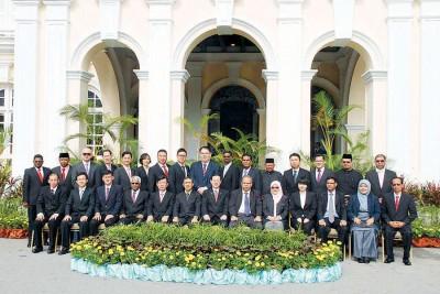 """槟威两地市议员届期将于本月31日届满,据悉,新届市议员人选,行动党微调,公正党则""""大换血""""。"""