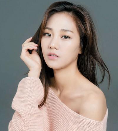 金秀贤新片将和韩智恩有大胆激情戏。