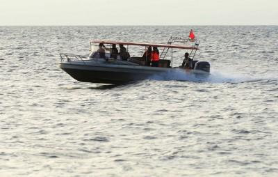 印尼政府以以出事海域继续进行搜寻行动。(法新社照片)