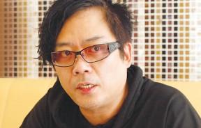 流行曲幕后推手,代表作包括:张惠妹的《剪爱》、《听海》;齐秦的《往事随风》;ASOS的《十分钟的恋爱》。曹格启蒙老师,为他制作数张专辑及编曲。
