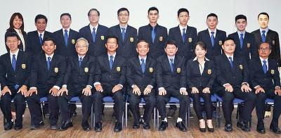 槟羽总2015-2017新理事合影。