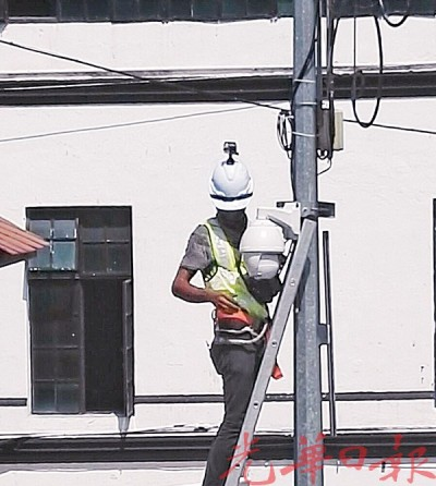 槟市厅已分别在车水路交界处,以及大街及皇后街交界处,装置两部简易拆装式电眼揪垃圾虫。