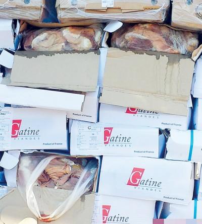 深圳海关今年6月侦破一宗特大走私冻肉案,当中查获共578.23吨来自各地的冻肉。