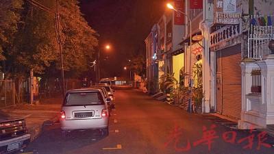 受害者是在爱情巷路段遭攫夺。