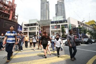 随着日前土耳其及印尼发生炸弹袭击事件,联邦直辖区部长拿督斯里东姑安南说,当局在城中数个受威胁地点提高安全监控。