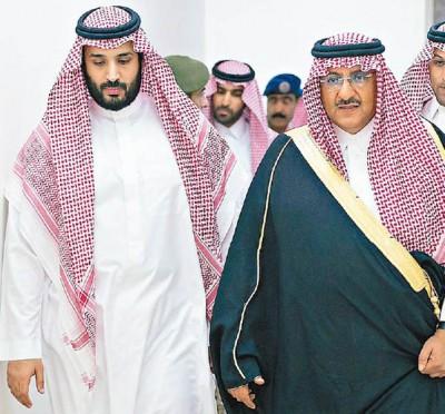 沙地副首相兼内政部长纳伊夫(右)吃指以给临时抽起,穆罕默德萨勒曼(左)尽管有望登顶。