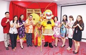"""傍晚6时开始,槟城精形体育会的""""孙悟空""""、可爱的吉祥物""""大圣爷宝宝""""将与大家互动合照。"""