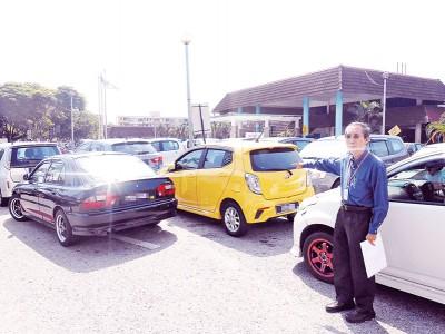 林敦良:槟城医院停车位严重不足,停车位私营化及成立医院辅警,可解决许多问题。