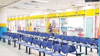 槟城一些长途巴士公司虽开始售卖回乡车票,但并未掀起抢购热潮。