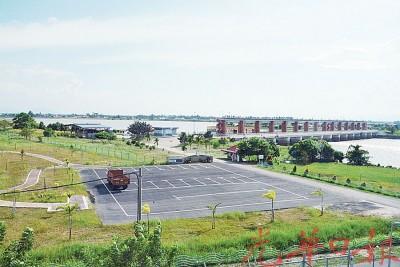 耗资10亿令吉的姆达河防洪水闸已全面竣工操作。