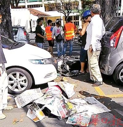 华裔骑士摩托车失控撞大树,当场死亡。