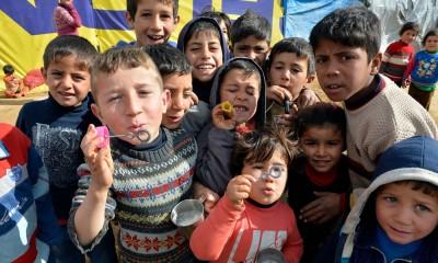 据悉UNICEF报,难民中孩子数目占3分之1。